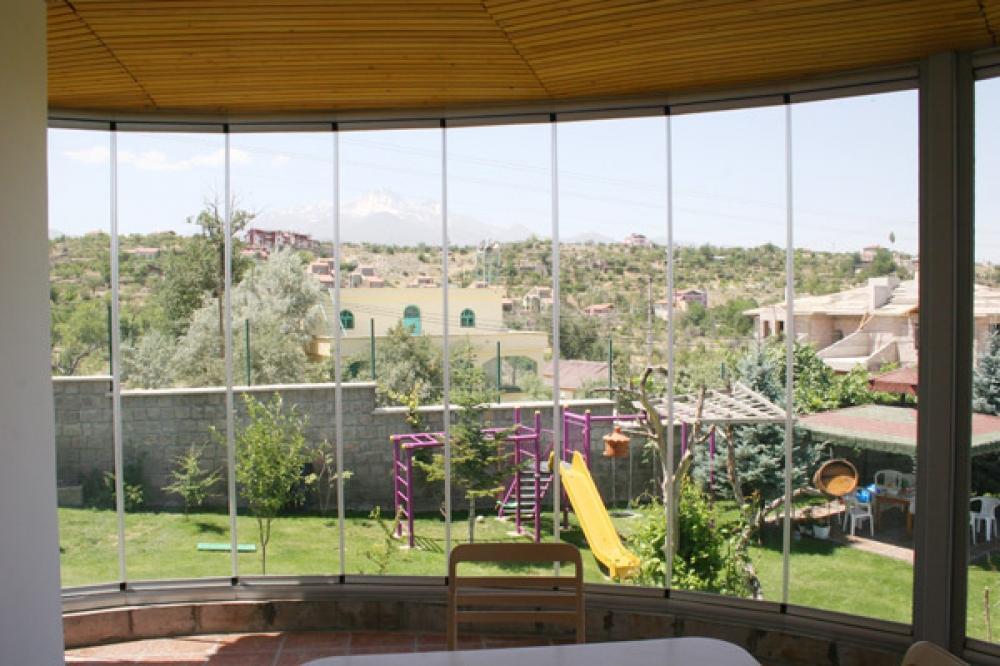 Стъклена тераса